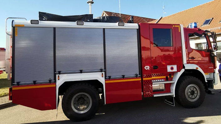 Katastrophenschutz-Fahrzeug übergeben